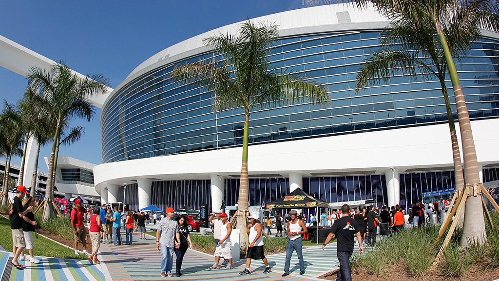 Gone fishing, Miami Marlins opened home schedule in a wild way. Literally.