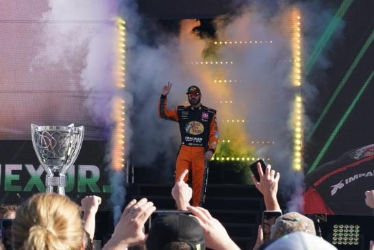 Martin Truex Jr. WWW favorite to win the 2019 Championship Cup Series