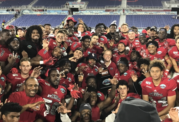 No coach Lane Kiffin and four starters for FAU, no problem against SMU in Boca Raton Bowl